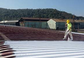 Spray applied roofing systems